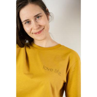 Love Life, Unisex T-Shirt, Farbe Ochre, Detail